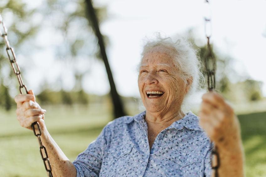 Seniorka z uśmiechem
